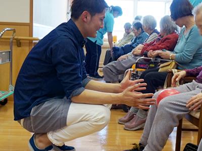 老人介護施設にてボランティア活動